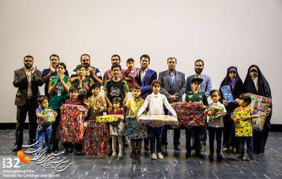 گزارش تصویری / حضور فرزندان شهدای مدافع حرم در اکران فیلم «منطقه پرواز ممنوع»