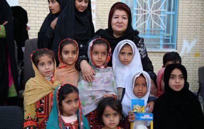 پوران درخشنده: رفتیم تا آفتاب مهربانی را در سیستان و بلوچستان پررنگتر کنیم/ زندگی ما سینماگران با مردم است