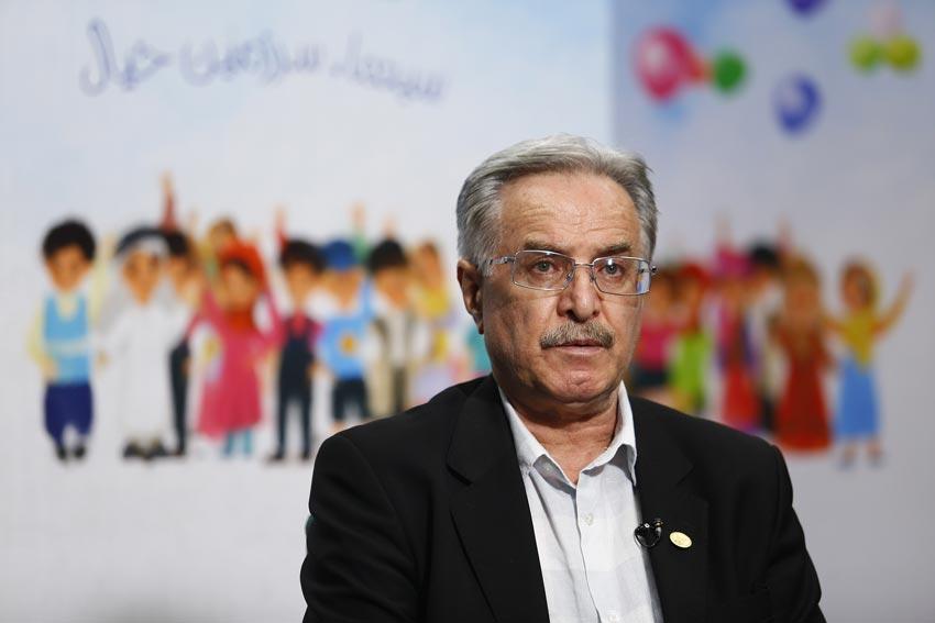 علی ژکان تهیهکننده «ترانههای پدرانه»: ذات کودک، واقعیت را هم به خیال تبدیل میکند